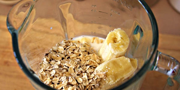 Banana oatmeal mask